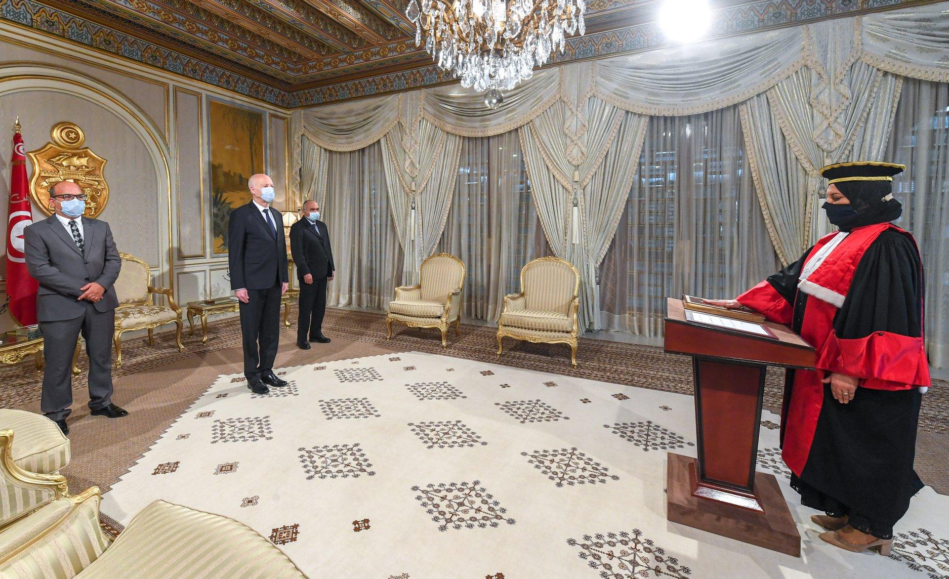 عضو المجلس الأعلى للقضاء السيدة سنية بن عمار تؤدي اليمين