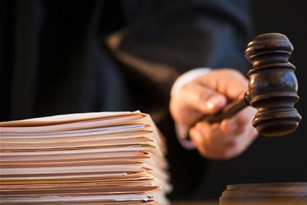 التأكيد على استقلالية السلطة القضائية والنأي بها عن التجاذبات السياسية